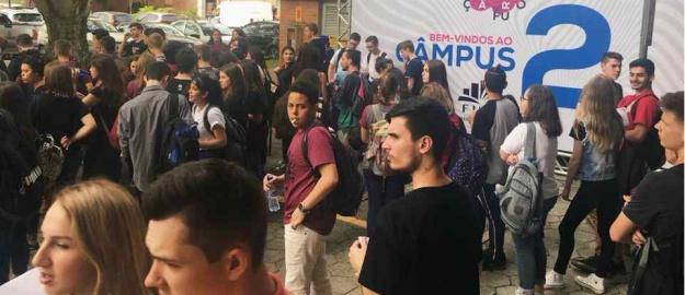 00eb91b426 27 09 2018 - FURB recebe milhares de estudantes para o Interação