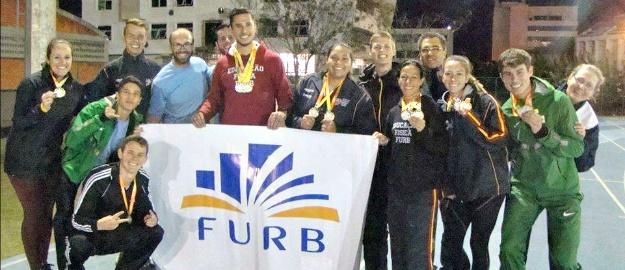 7e0a6f8234 Doze acadêmicos atletas da equipe AABLU FMD FURB Unimed fizeram bonito nos  Jogos Universitários Catarinenses 2017